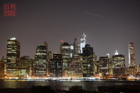 Night view of Manhattan skyline from Brooklyn